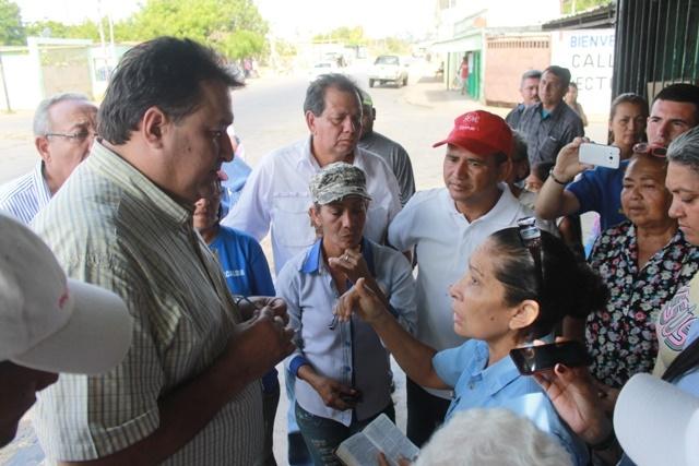 Alcalde Pedro Loreto continúa visitando comunidades para supervisar obras .