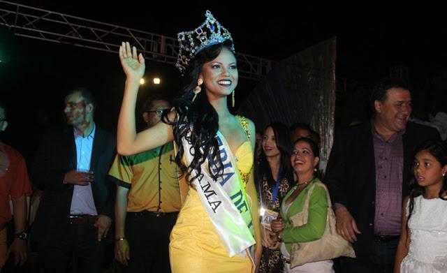 María Fernanda Muñoz fue coronada como Reina de la Candelaria 2017