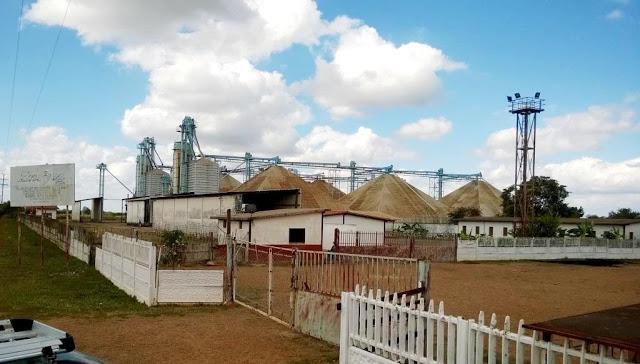 Silos de la Corporación de Abastecimiento y Servicios Agrícolas en Las Mercedes del Llano en total abandono en Guárico.