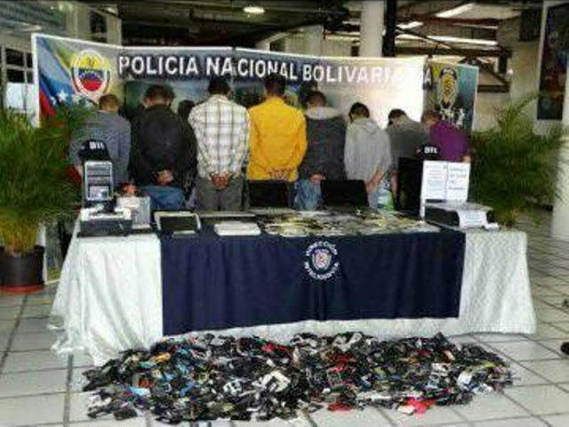 PNB allanó locales comerciales donde vendían celulares robados