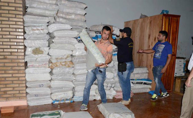 Identifican a brasileños que traficaban con las 30 toneladas de billetes venezolanos en Paraguay