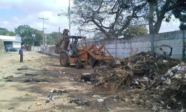 Cuadrillas de Servicios Públicos realizó trabajo de limpieza
