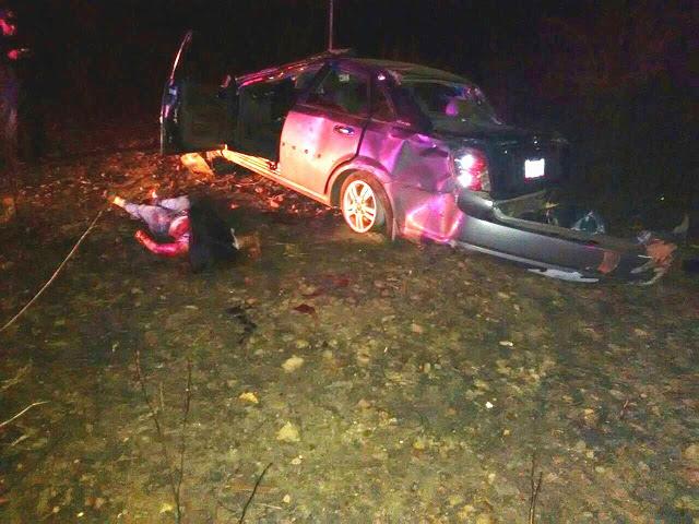 Vuelco de vehículo dejó una mujer muerta y dos heridos
