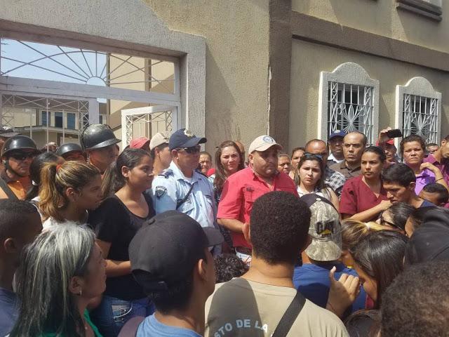 Estudiantes del núcleo de veterinaria de la Unerg protestaron contra la inseguridad y robos a la Universidad.