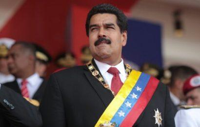 """Maduro invitó a participar """"en paz"""" en consulta popular opositora"""