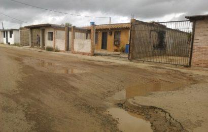 Habitantes de El Palmar I, II y III denuncian el mal estado de su vialidad