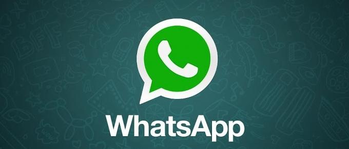 ¿Cómo reinstalar la aplicación WhatsAppen mi terminal?