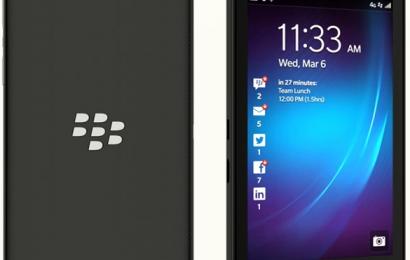 ¿Puedo traspasar mi historial de chats a mi nuevo terminal BlackBerry 10?