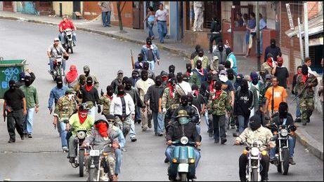 Colectivos robaron a funcionarios del CICPC en Caracas