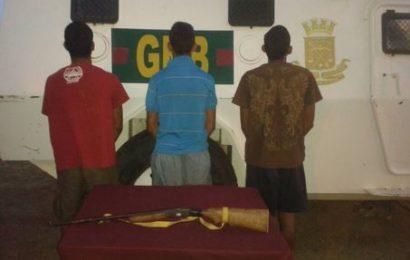 Detenidos tres individuos que robaron ganado a mano armada