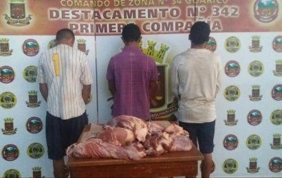Atrapados delincuentes de carne de res por funcionarios del Destacamento