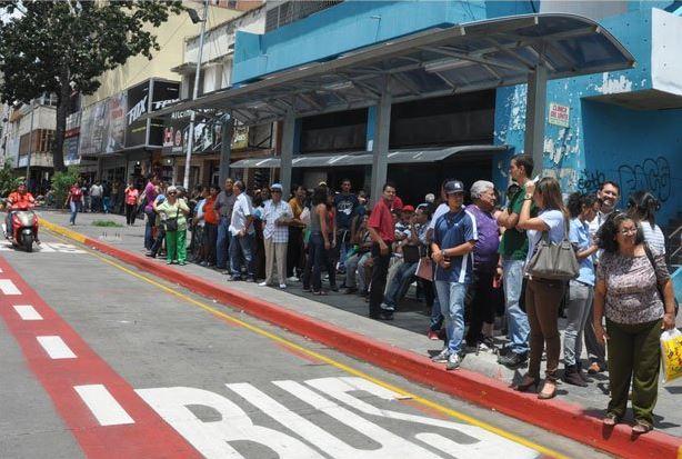 Usuarios molestos por paro de transporte en Barquisimeto