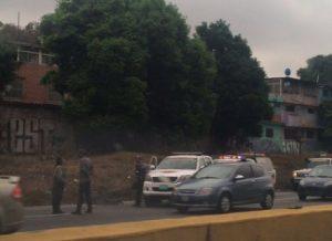 GNB halló cadáver en la autopista Francisco Fajardo